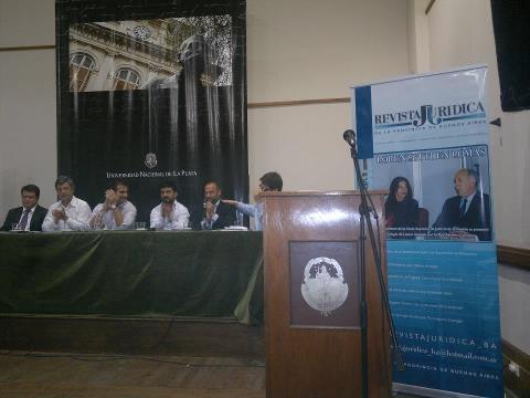 Revista Jurídica en la Univ de La Plata
